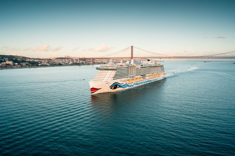 Cruise line to trial new battery tech on 'large cruise ship'