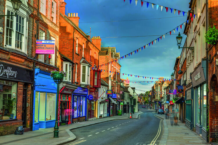Act now to save high street agents, union tells government