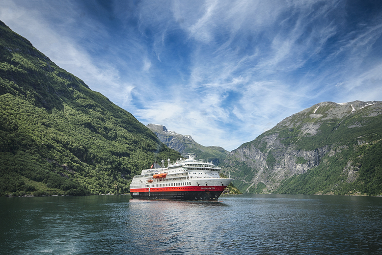 Hurtigruten to expand hybrid-powered fleet