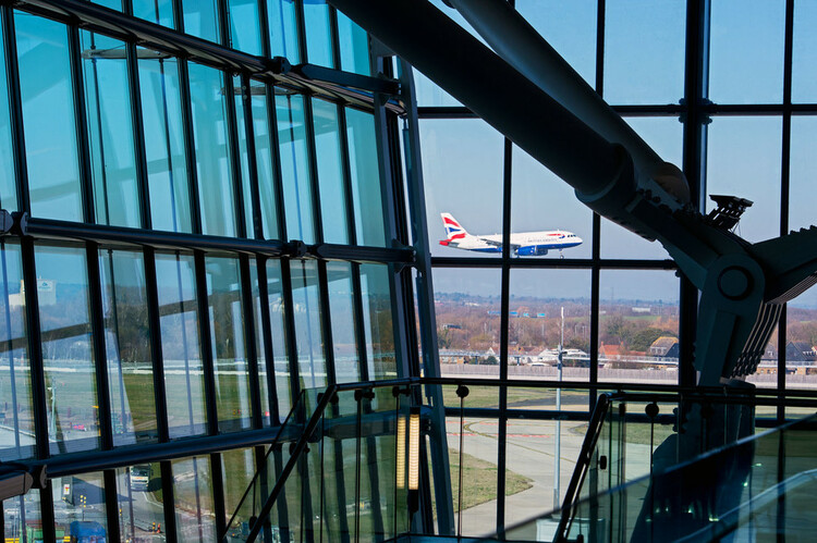 Heathrow stresses third runway case amid soaring profits