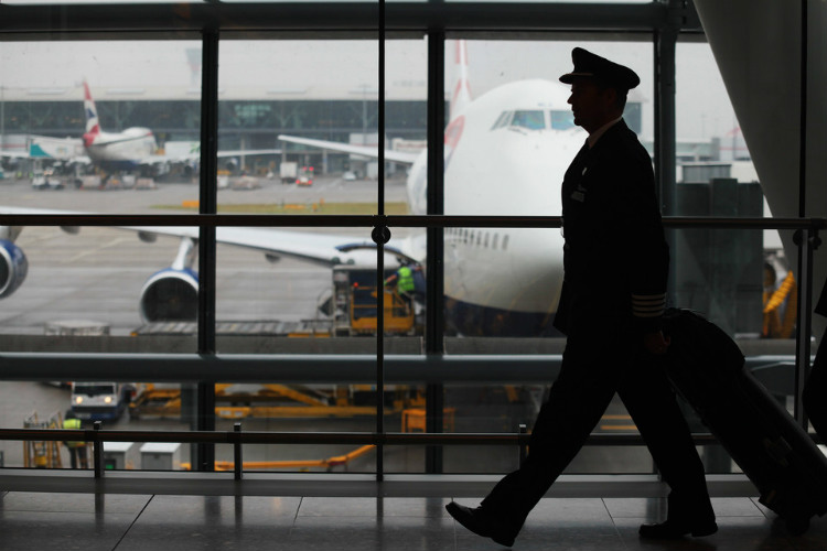 British Airways pilots accept temporary pay cuts