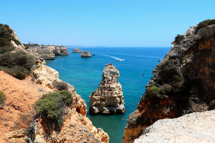 Portugal's Algarve unveils new rules for beach visitors