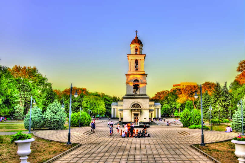 Moldova: Discovering tunnels, wine, spas and castles