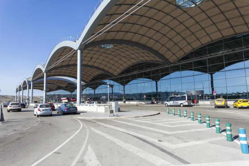 Tourists have been advised to avoid Alicante airport