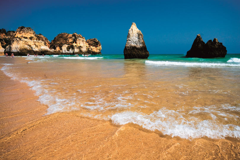 Portugal's beaches will reopen on 6 June