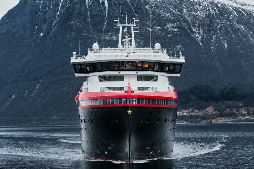 Hurtigruten extends operations suspension