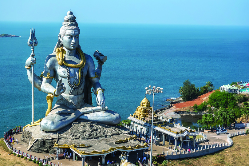 Giant religious statues and wildlife wonders in the Indian state of Karnataka