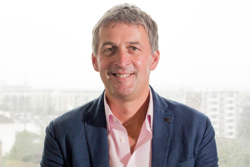 Phil Hullah to succeed David Clemson as Riviera Travel chief