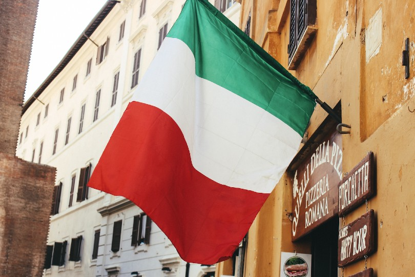 Italy plans to reopen to international visitors in May