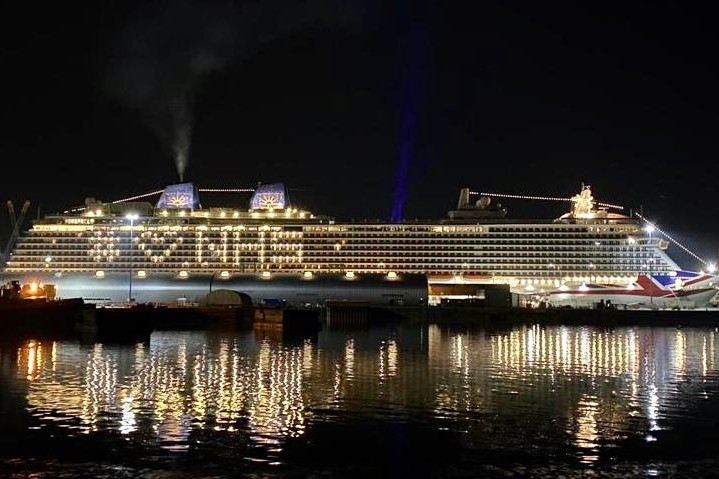 The ship shone brightly in Southampton on Wednesday evening (Credit: P&O Cruises)