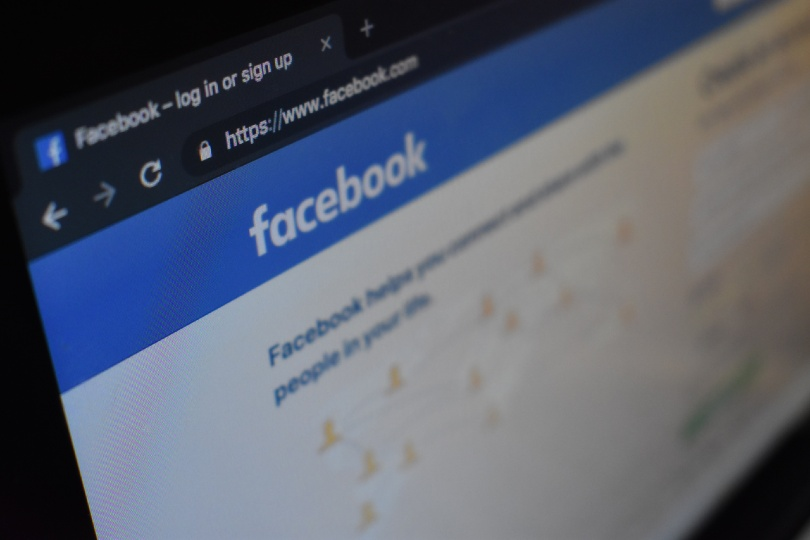 National Holidays parent launches agent Facebook group