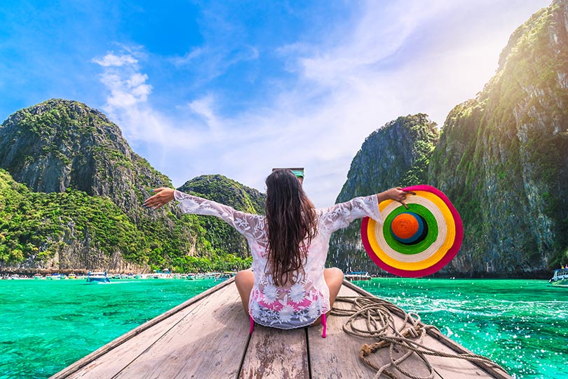 Win 10,000 Thai Baht or a £250 gift card with Premier Holidays