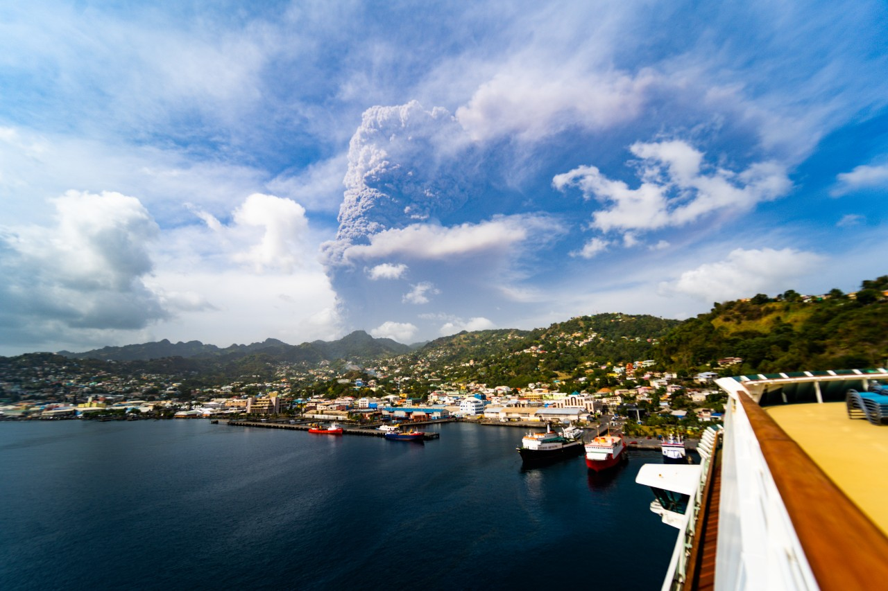 Caribbean rallies to help after St Vincent volcano eruptions