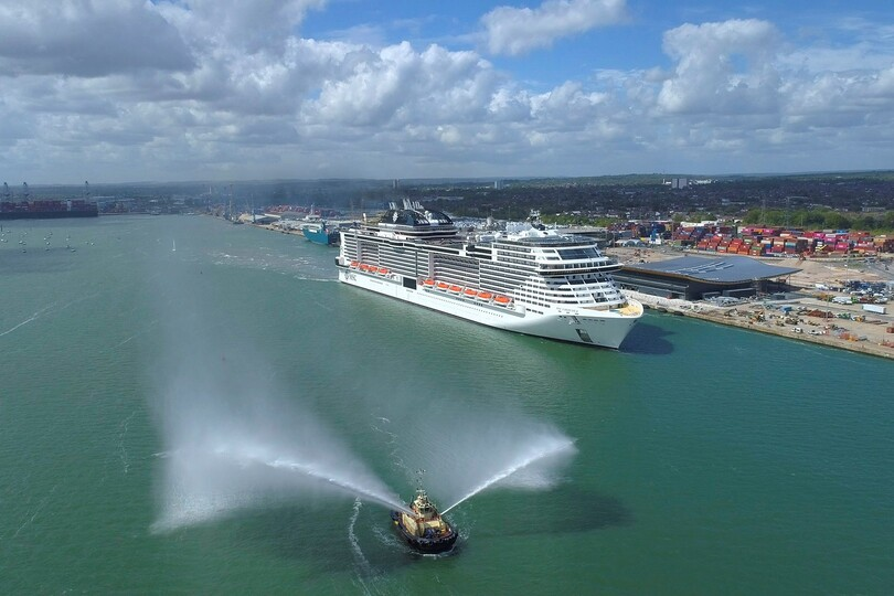 Maritime minister promises 'even greater cooperation' with cruise sector