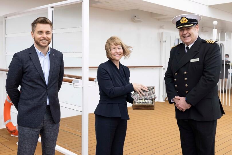 Dame Irene alongside P&O president Paul Ludlow and Iona captain Wesley Dunlop
