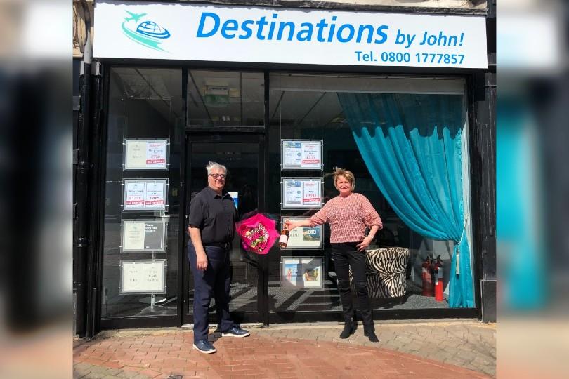 L-R: John Dixon with Brilliant Travel's Linda Pyle
