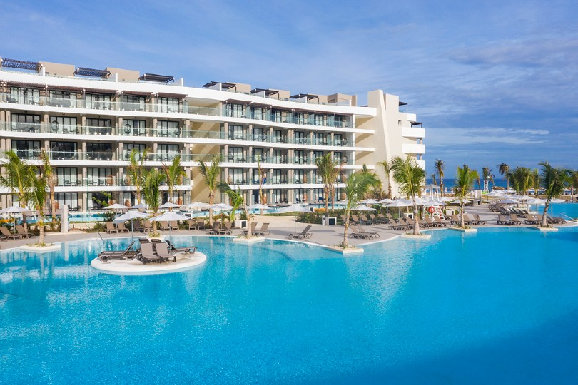 One lucky agent will win a trip to the Ocean Coral Spring resort in Montego Bay